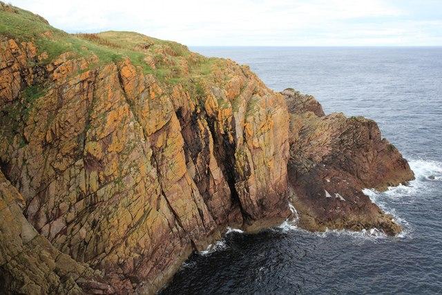 Cliffs south of Tilted Ledge