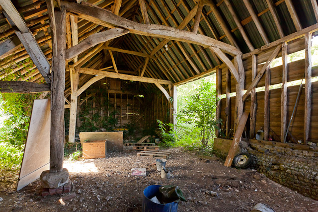 Interior of derelict Hydes Barn, Fawley Lane
