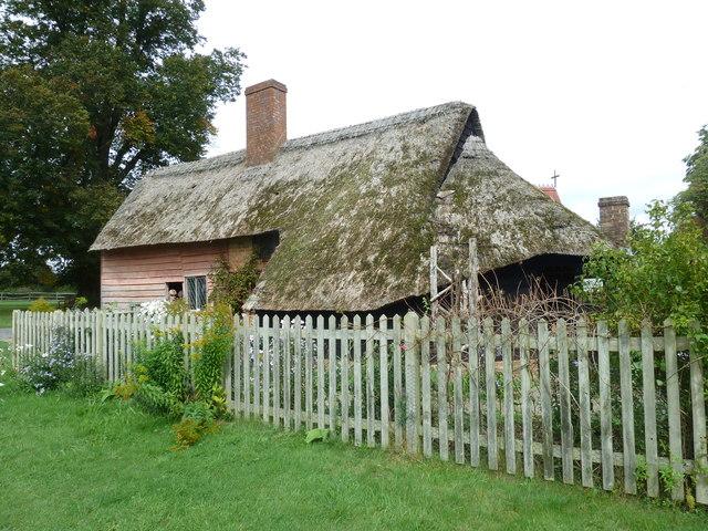 COAM 35: thatched cottage