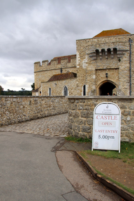 Entrance to Leeds Castle, Kent