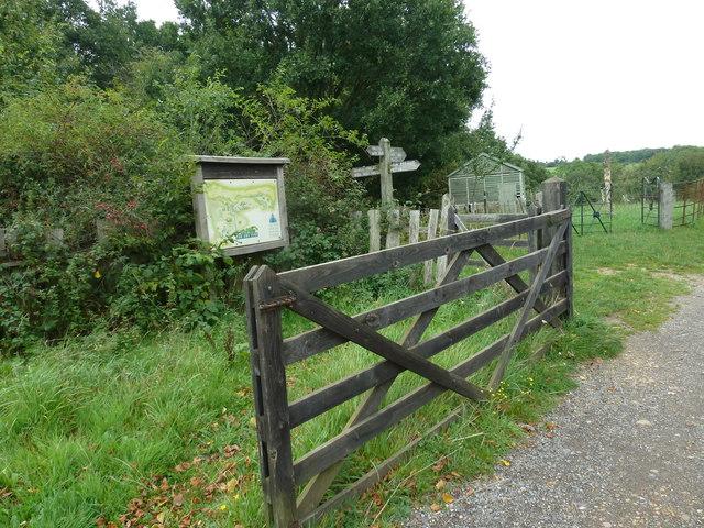 COAM 60: map behind a gate