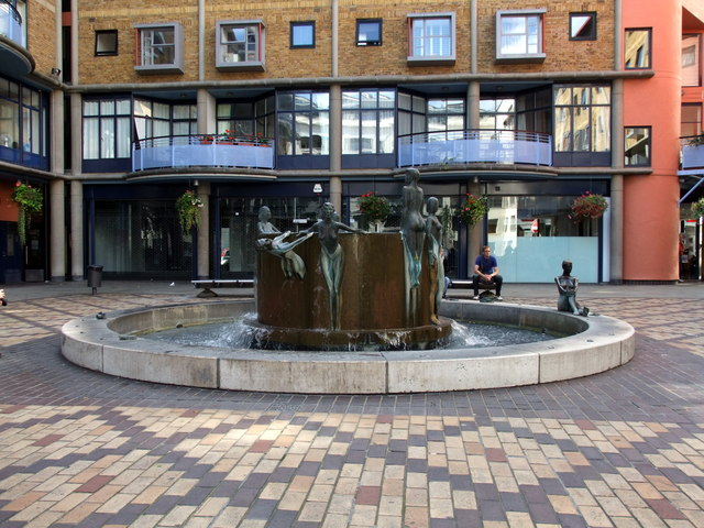 Fountain at Shad Thames