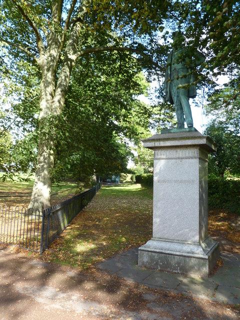 Salisbury, statue
