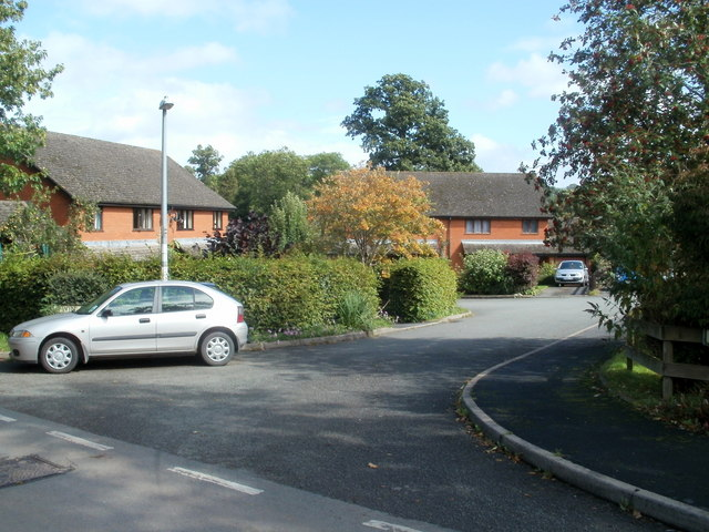 Twin Oaks, Glasbury