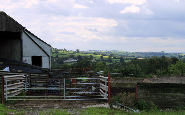 2011 : Farm buildings south of Westcombe Road