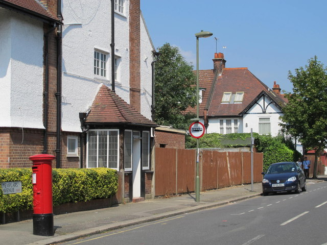 Templars Avenue, NW11 (2)