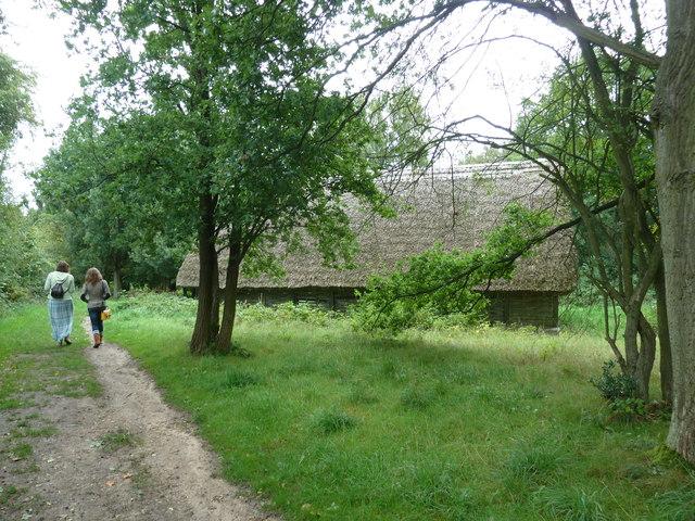 COAM 104: visitors approaching Arborfield Barn