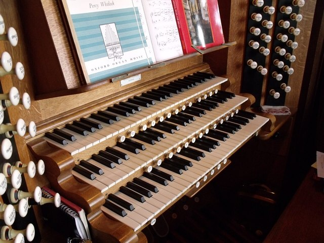 Organ Console, St Botolph's Church, Boston