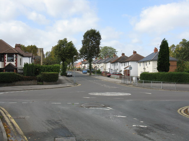 Spring Road crossed by Cateswell Road