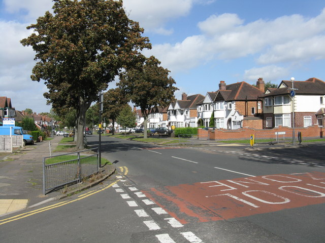 Shirley Road at Temple Avenue