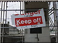 TQ3080 : Keep Off old jetty on River Thames by PAUL FARMER