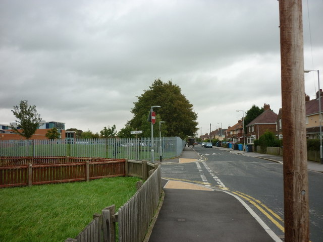 21st Avenue at 15th Avenue, North Hull Estate