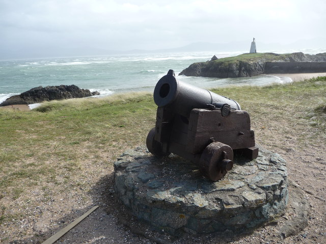 Small cannon at Pilot's Cove on Llanddwyn Island