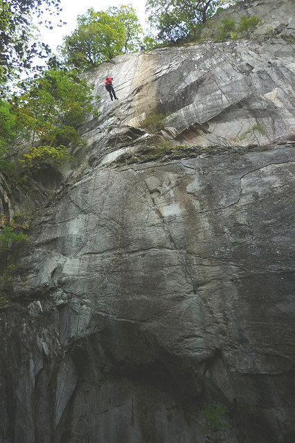 Abseiling into Parrock Quarry