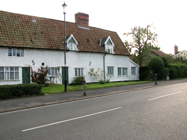 Cottages along the B1117 road through Laxfield