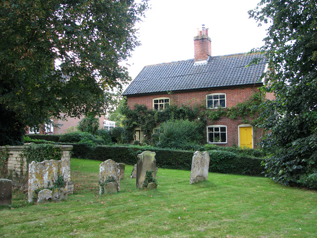 Cottages beside All Saints' churchyard, Laxfield