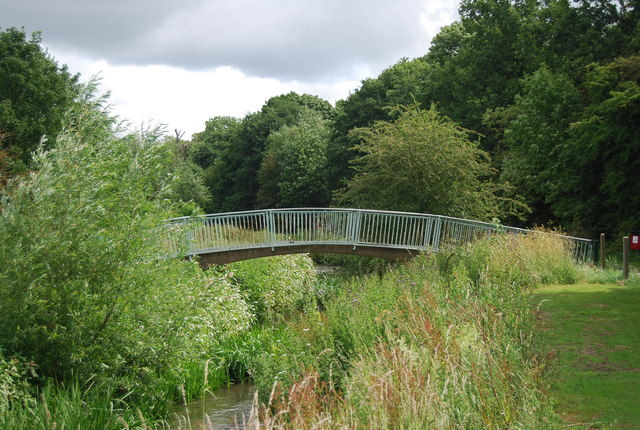 Footbridge over the Ingrebourne
