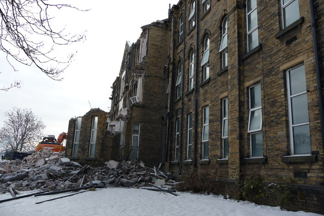 Demolition of disused buildings at St Luke's Hospital, Bradford
