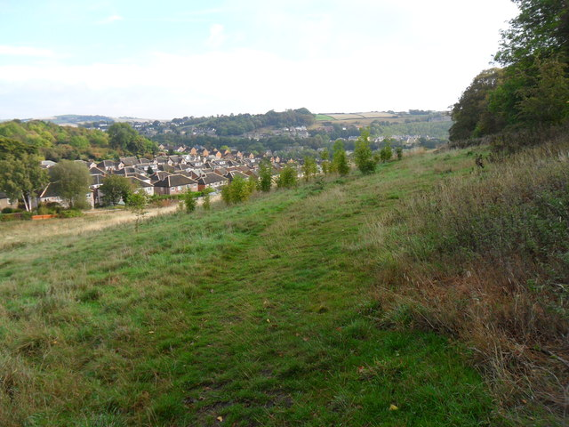 Field path, south of Southfield Road, Almondbury.