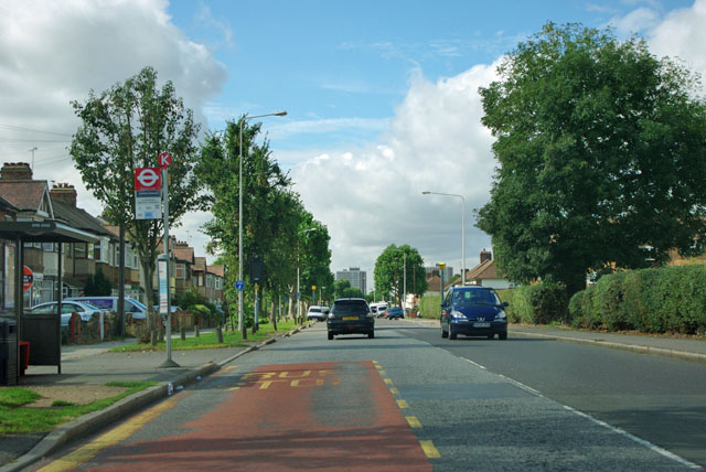 Leonard Avenue bus stop, Rush Green Road