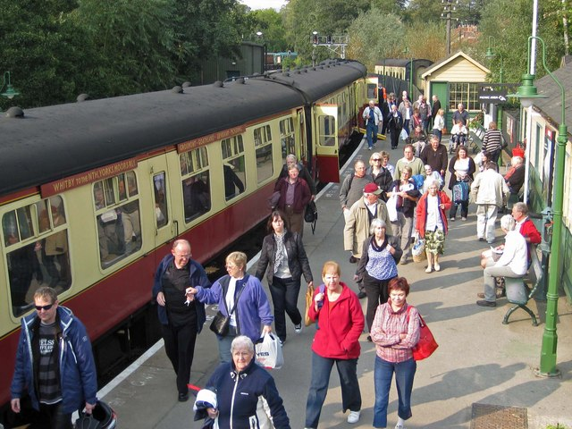 Passengers alighting at Pickering Station