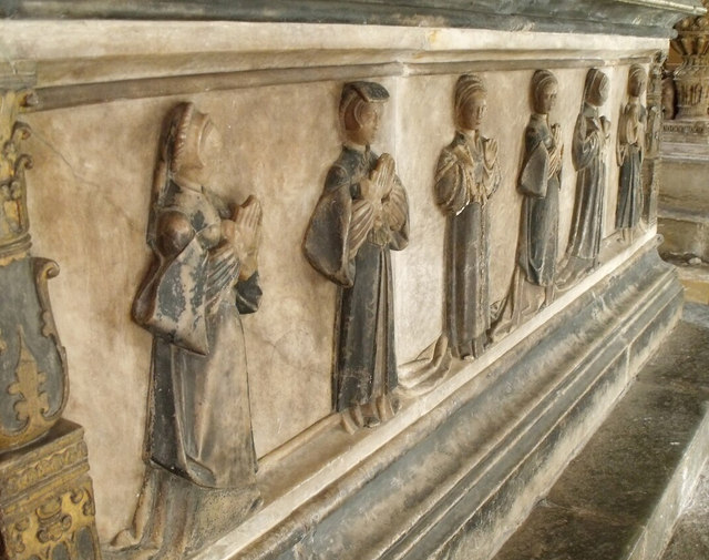 Tomb of 1st Earl of Rutland, side  carvings