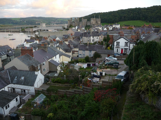 Rooftops and gardens of Conwy