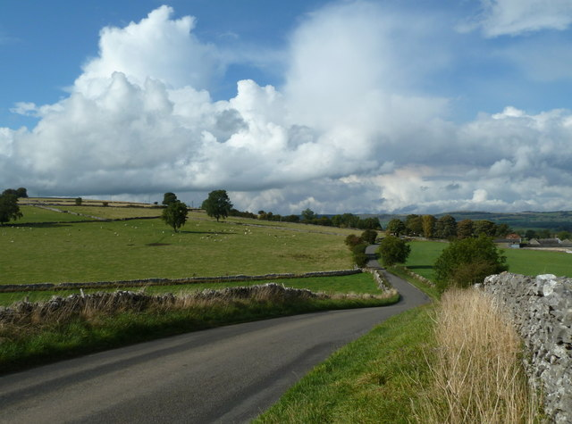 Lane north towards Bakewell
