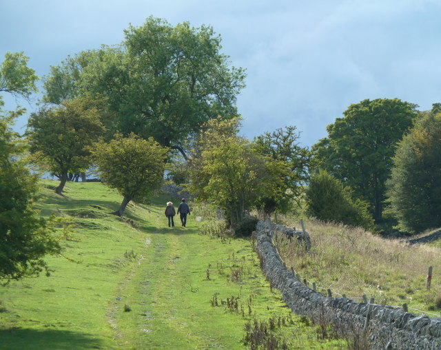 Footpath climbing west of Haddon Hall