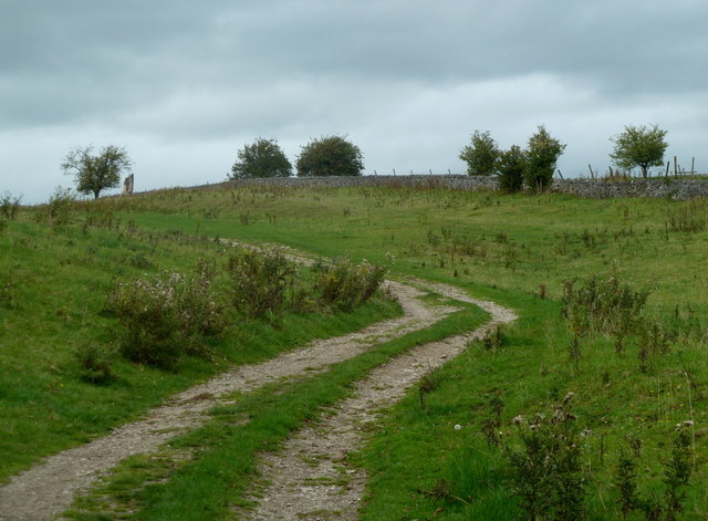 Footpath north of Bakewell