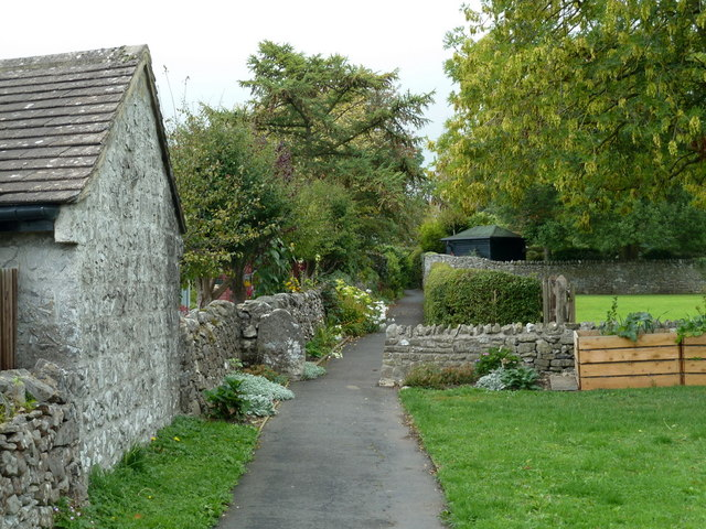 Village footpath, Great Longstone