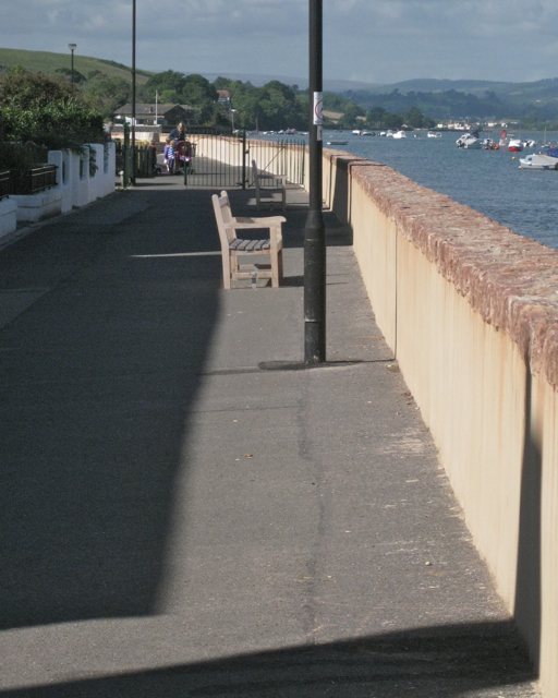 Wall and seats, the Embankment