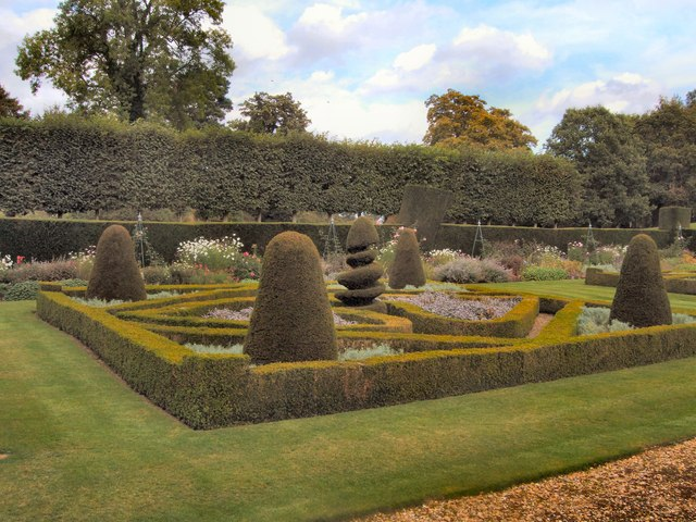 Squerryes Court formal gardens