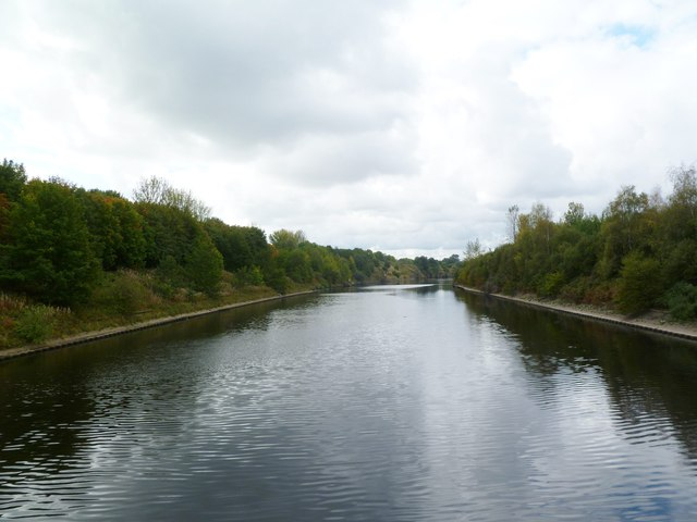 Runcorn, Manchester Ship Canal