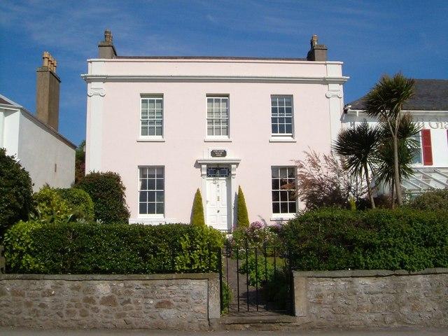 Villa, Clevedon