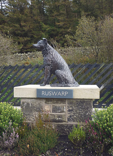 Ruswarp statue at Garsdale Station