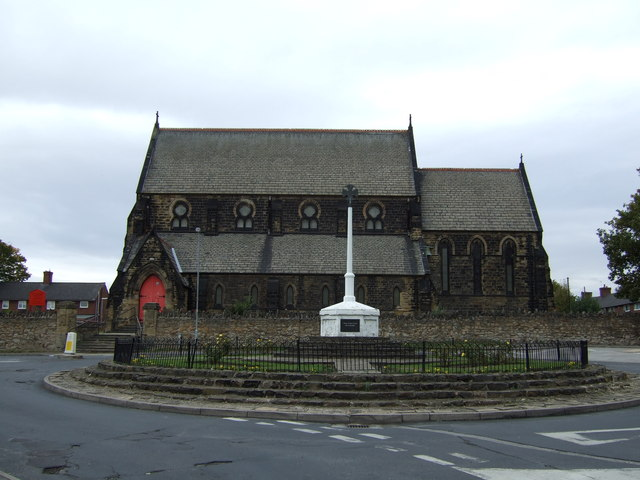 Church and war memorial, Featherstone