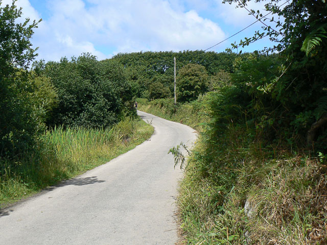 Road west from the Watermill Ponds