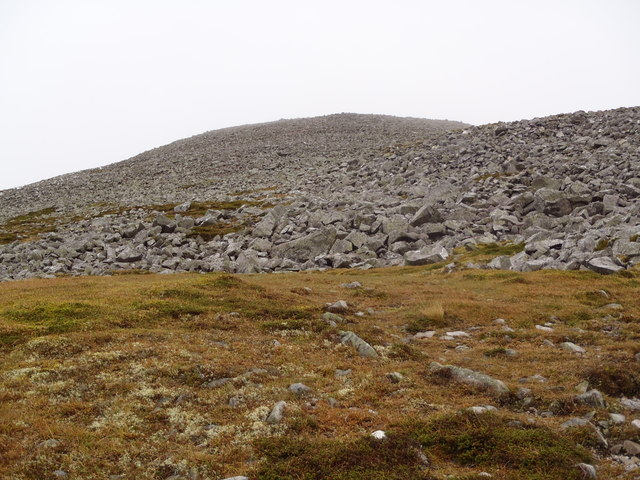 Summit approach to Carn an Tuirc