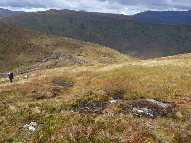 Down the west ridge of Aonach Shasuinn
