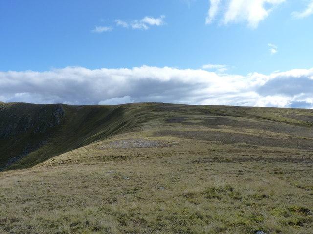 Up the western ridge of Carn nan Coireachean Cruaidh