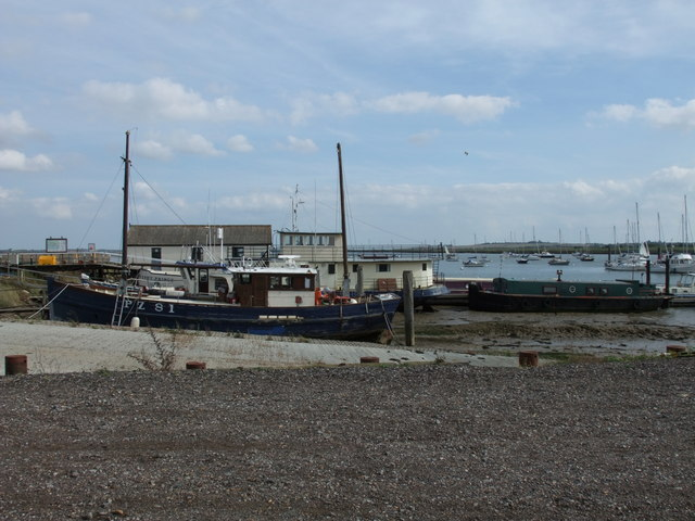 Ship PZ 81 at North Fambridge Quay