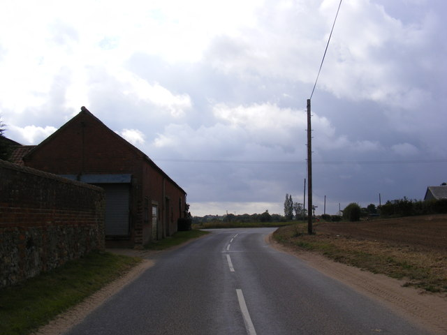 Approaching Home Farm, Capel St.Andrew