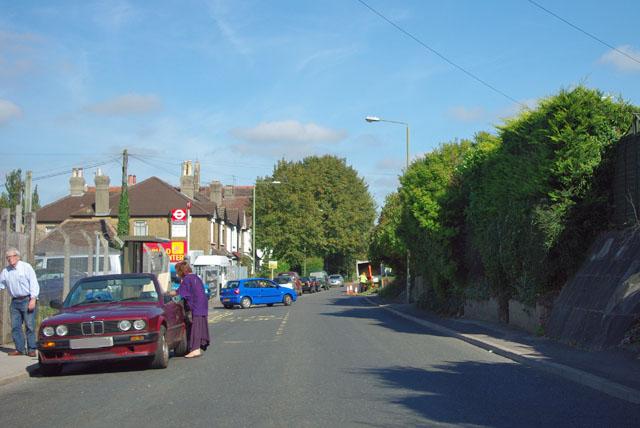 Approaching the Royal Albert bus stop