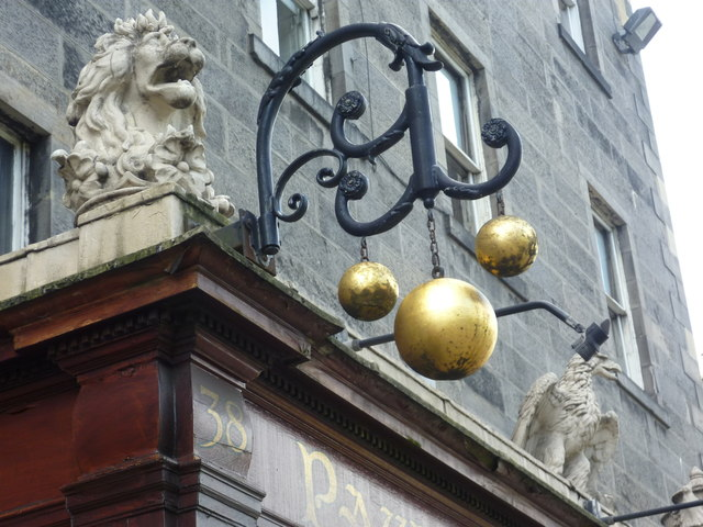 Pawnbroker's sign, Queen Street