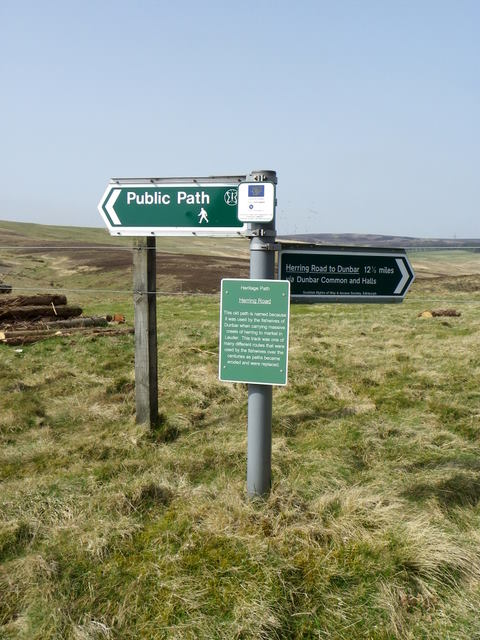 Footpath sign near Priestlaw Farm