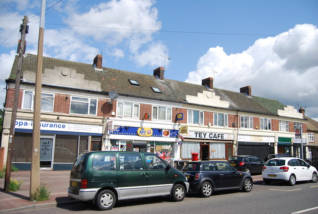 Parade of shops, Corbets Tey