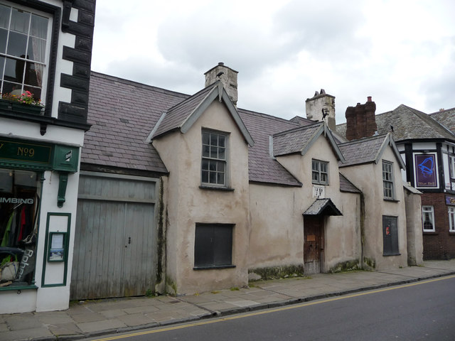 The Black Lion - 11 Castle Street, Conwy