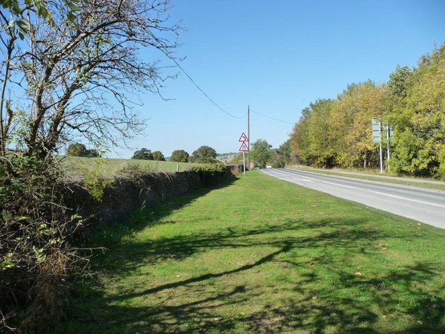 Narrowing verge on the A635