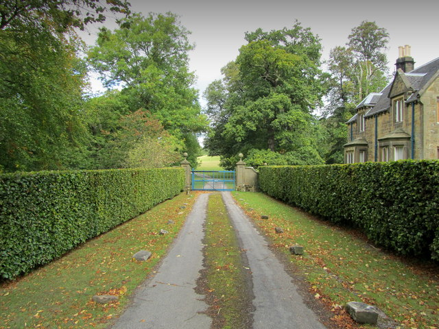 Entrance beside Beeley Lodge
